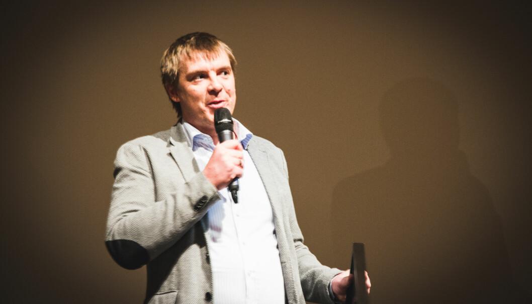 Dan Kåre Engebretsen mottok NODA Award på vegne av VG i kategorien for beste fortelling. (Foto: Ingrid Tinmannsvik)