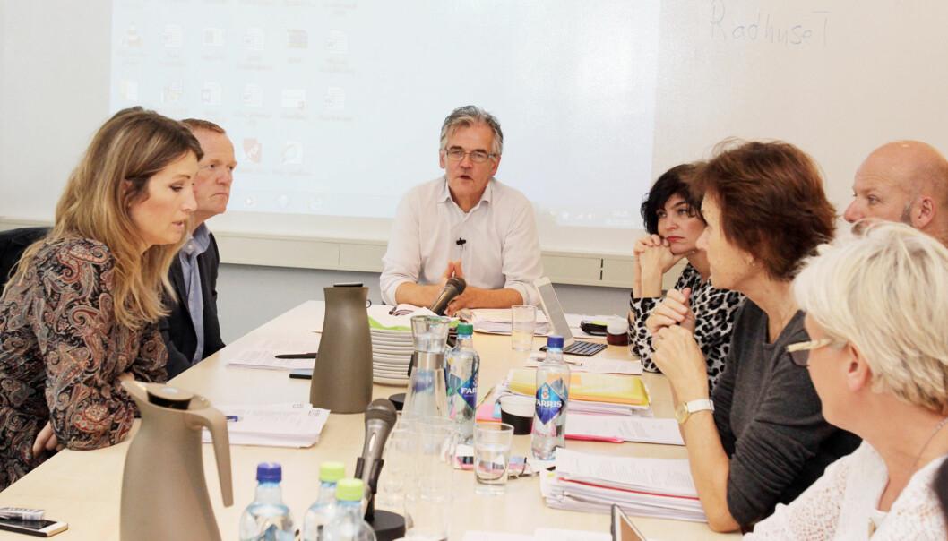 Pressens faglige utvalg (PFU) og leder Alf Bjarne Johnsen (i midten) behandler også klager som aldri blir kjent for offentligheten. Foto: Birgit Dannenberg