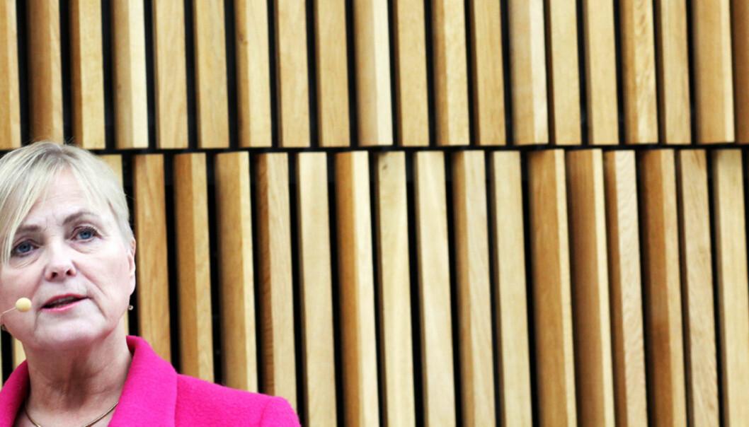Stortingsrepresentantene mener Regjeringen ved kulturminister Thorhild Widvey burde lytte til Stortinget i spørsmålet om moms. Det nærmer seg flertall for null-moms. FOTO: Birgit Dannenberg