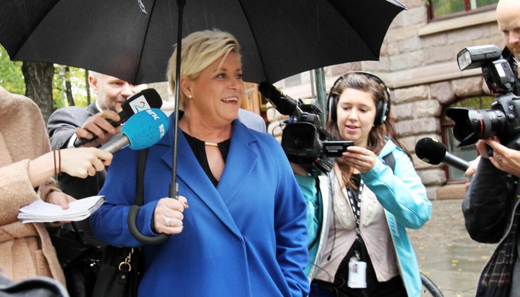 Finansminister Siv Jensen legger fram statsbudsjettet. Mange av de som dekker politikk i mediene er menn, ifølge ny undersøkelse. Illustrasjonsfoto: Birgit Dannenberg