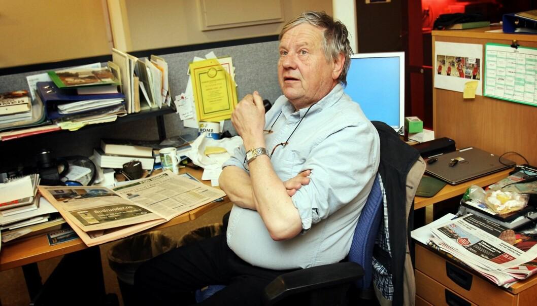 VETERAN: Børre Ivar Lie (64) synes fortsatt det er gøy å gå på jobb i Drammens Tidende. Han akter derfor å fortsette noen år til. Foto: Birgit Dannenberg