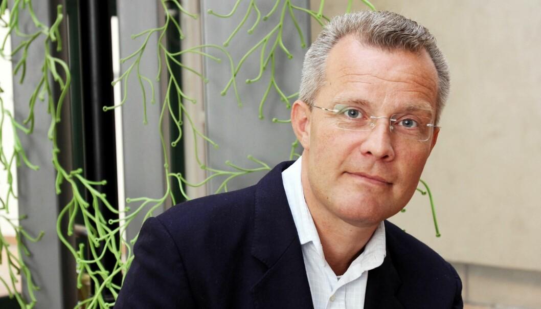TVUNGET OG KNEBLET: Hans Jørgen Lysglimt og hans epostfirma måtte overlevere datainnhold til FBI og har taushetsplikt på ubestemt tid. Foto: Birgit Danneberg