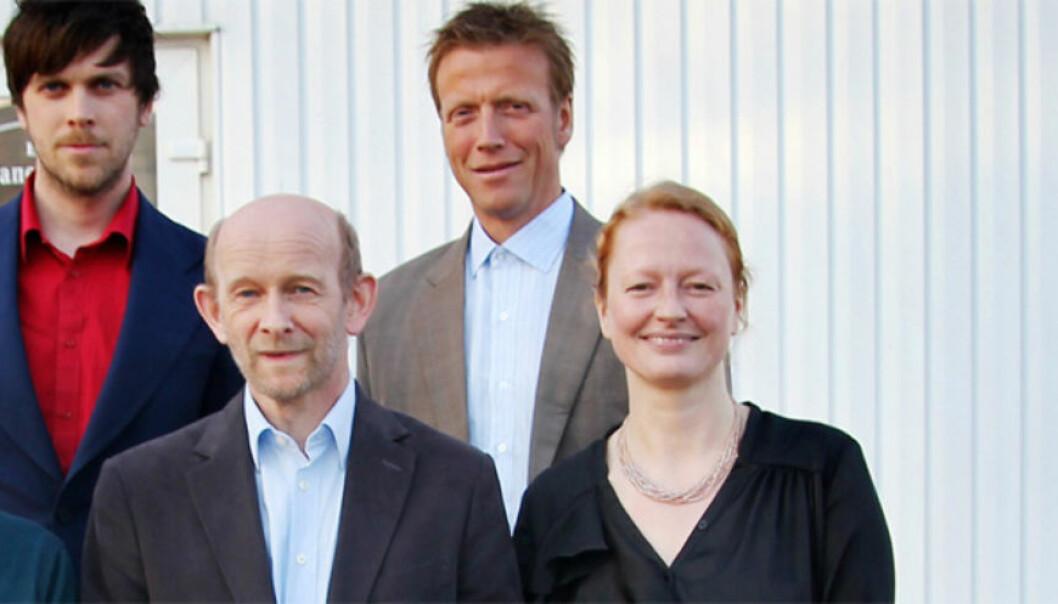 FOTO: Det nye styret i Barents Press Norge. Foran fra venstre: Helge Lyngmoe, NRK, Arne Egil Tønset, styreleder, frilanser, Trine Hamran, frilanser. Bak fra venstre: Amund Trellevik, Finnmarken, Morten Ruud, NRK. Foto: Gunnar Sætra