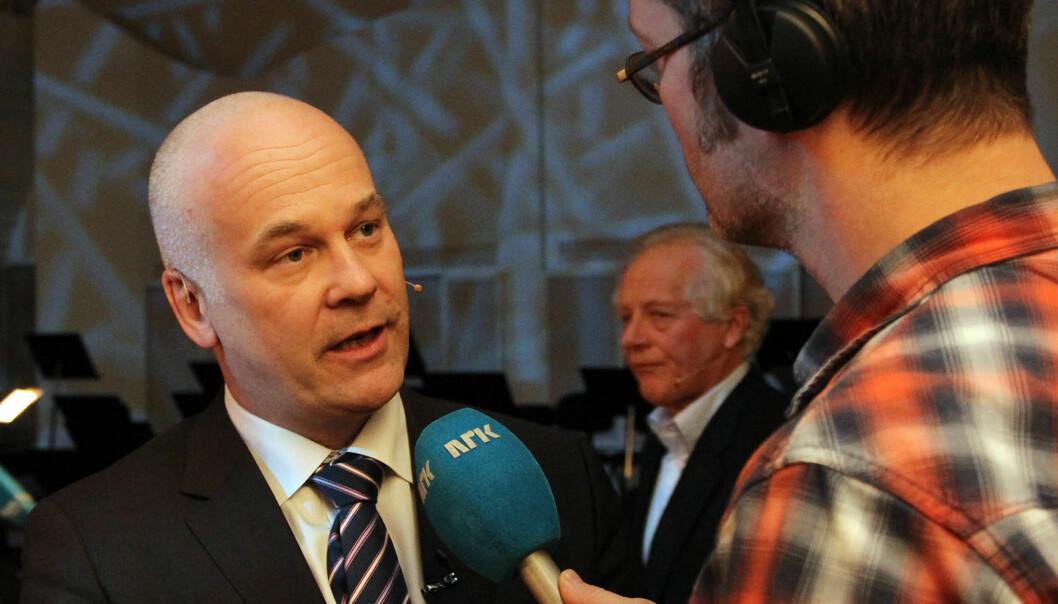 Thor Gjermund Eriksen ble tirsdag presentert som ny NRK-sjef. Styreleder William Nygaard i bakgrunn. Foto: Glenn Slydal Johansen