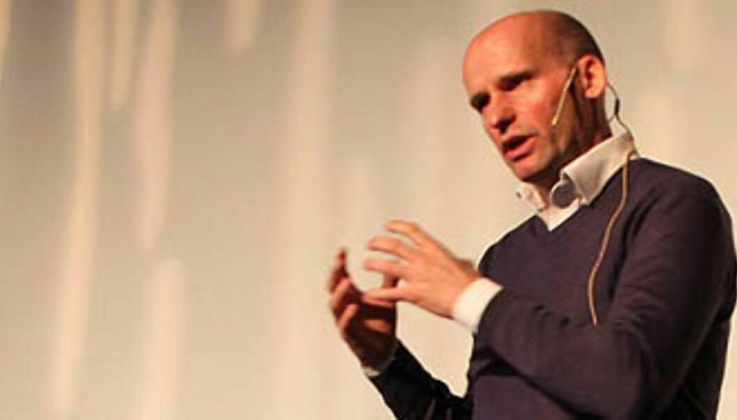 Geir Lippestad under frokostmøtet Kommunikatøren 2012 på Litteraturhuset onsdag. Foto: Madeleine Vehre Strangel
