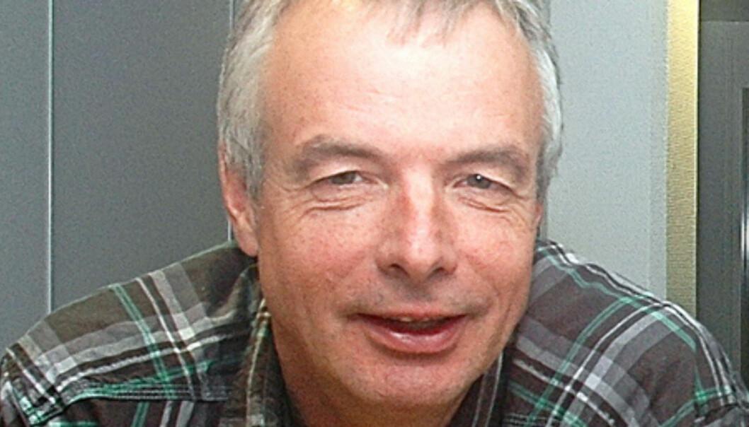 Redaktør Frank Øvrewall er kritisk til salget av aksjer i egen avisen.