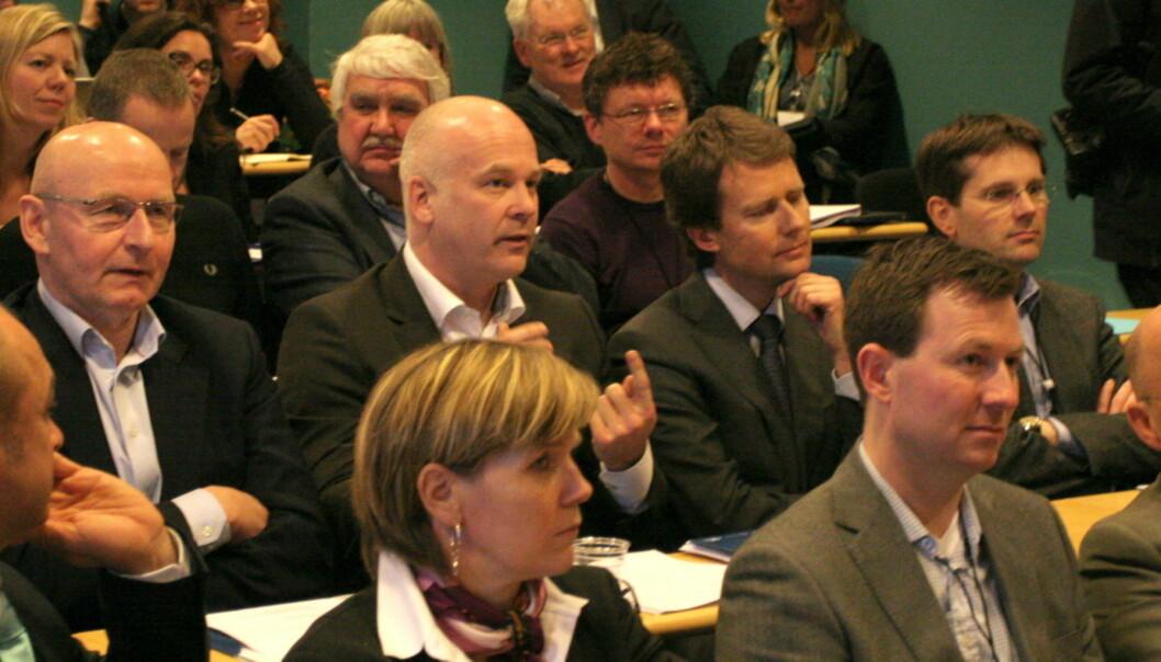 Det er de tre bukkene bruse som sitter her, sa Polaris' konsernsjef Per Axel Koch (til høyre). Til venstre for ham sitter A-pressens konsernsjef Thor Gjermund Eriksen og konsernsjef Didrik Munch i Schibsted-eide Media Norge. Foto: Glenn Slydal Johansen