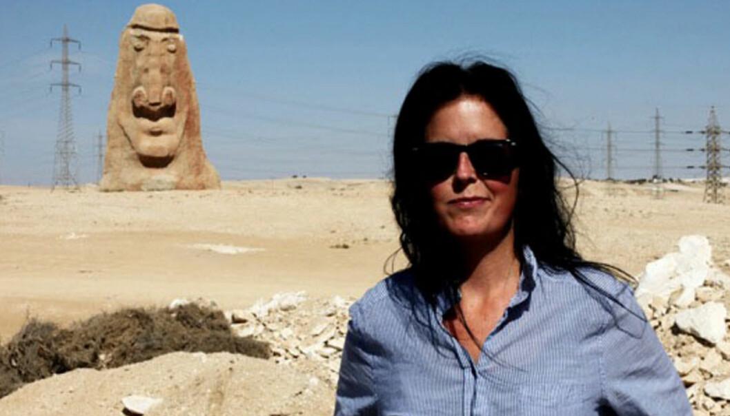 Fotograf og forfatter Kristin Lyseggen på en av sine reiser. Foto: Privat