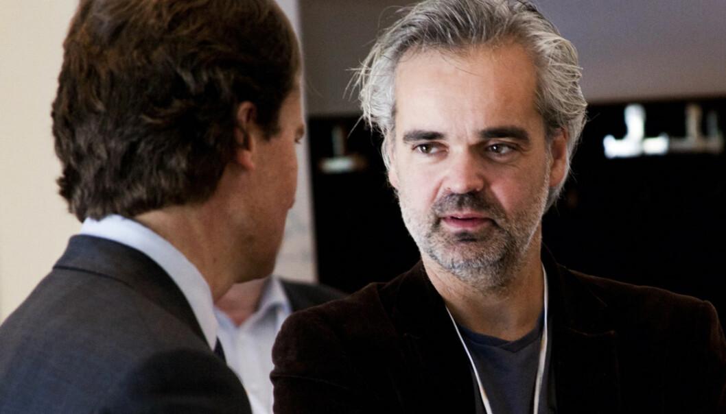 Eivind Ljøstad ser for se å skape abonnementstjenester på alle plattformer. Her i prat med Polaris-sjef Per Axel Koch. Foto:Kathrine Geard