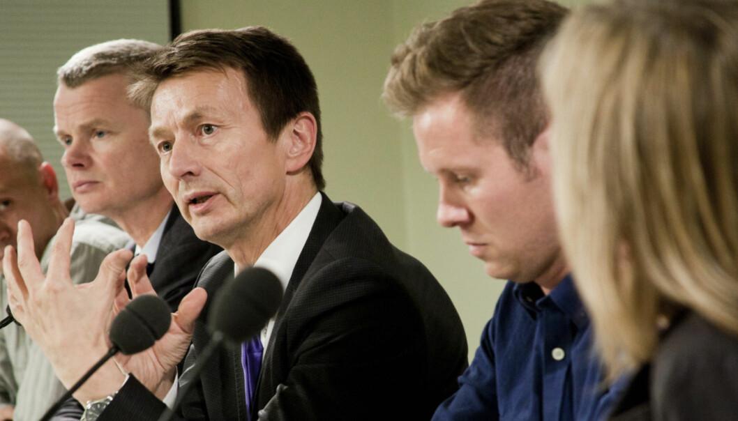 Hans Kristian Amundsen, SMK, i debatt med Per Arne Kalbakk, Lars Helle, Eskil Pedersen og Herlje Solberg. Foto:Kathrine Geard