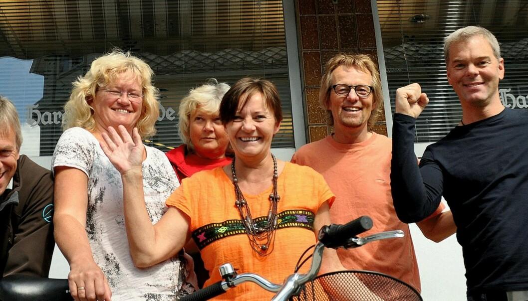Harstad Tidende spreke syklister  fra venstre med: Frank Roger Roksøy, Elin Pedersen, Turid Ingebrigtsen, Tina Eilertsen, Bård Borch Michalsen og Tor Chr. Eilertsen. Foto: Tore Skadal