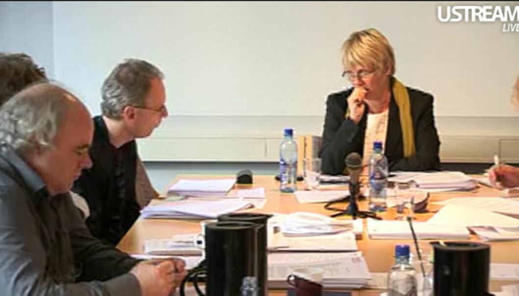 PFU 27. april 2011: John Olav Egeland, Henrik Syse og utvalgsleder Hilde Haugsgjerd. Video: Tor Torgersen