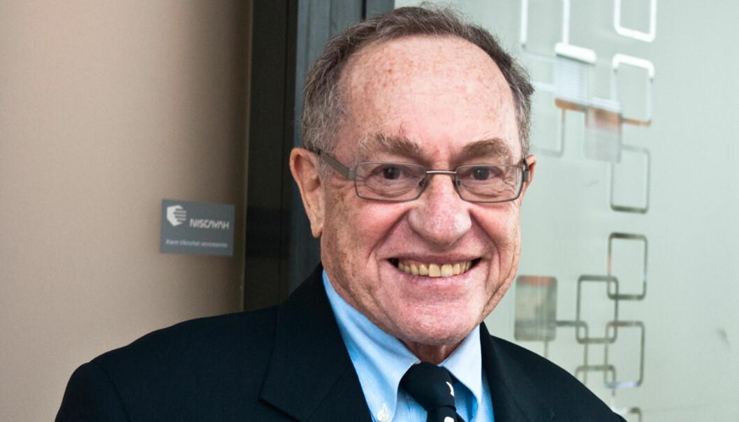 FORSVARER: Harvad-professoren Alan Dershowitz forsvarte Patti Hearst, O. J. Simpson og Klaus von Bulow, men det er kom folkerettsekspert han besøkte Oslo og talte Israels sak. Foto: Helge Øgrim