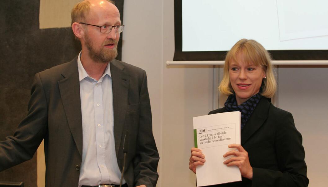 Utvalgsleder Yngve Slettholm og kulturminister Anniken Huitfeldt. Foto: Martin Huseby Jensen.