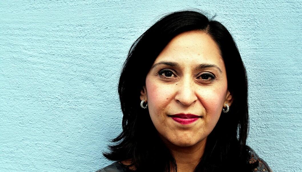 KRITIKEREN: – Jeg kritiserte Kokkvold for generaliserende og stigmatiserende uttalelser om islam og muslimer allerede i 2003, sier høyskolelektor og forfatter Nazneen Khan-Østrem. FOTO: KATHRINE GEARD