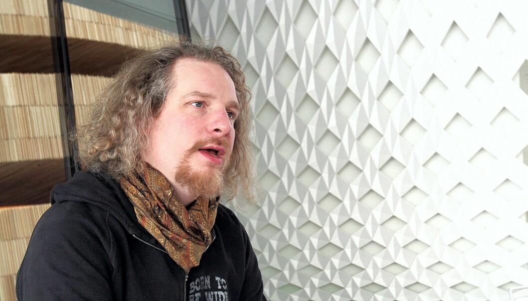 PESSIMIST: - Mens alle kan starte en blogg, er det langt fra alle som har evnen til å skrive og utvikle ideer, mener Olaf Furniss, skotsk musikkjournalist. Foto: Birgit Dannenberg