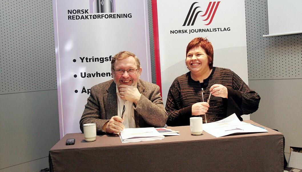Munter stemning på dagens pressekonferanse, f.v. Harald Stanghelle og Elin Floberghagen. Foto: Birgit Dannenberg