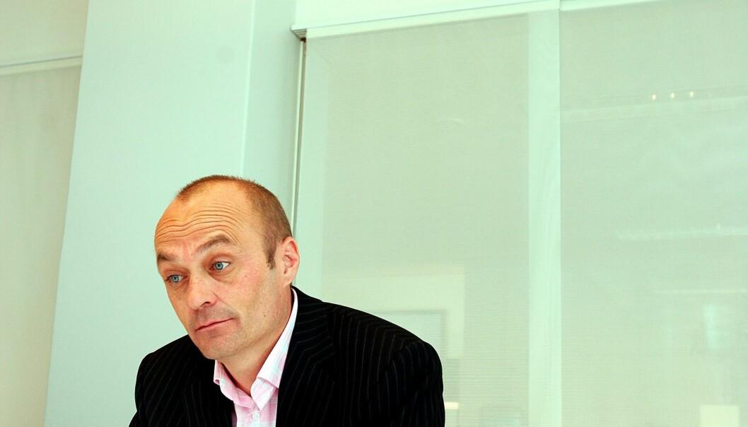 Informasjonsrådgiver Jarle Aabø mener Lars Helle står alene i det offentlige rom og snakker om redaktørens rett til publisering. Foto: Birgit Dannenberg