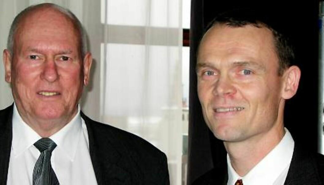 FAGBLADGIGANT: LO-leder Roar Flåthen (t.v.) og daglig leder i LO Media, Tore Ryssdalsnes, presenterte i dag det nye LO Media som blir en fagbladgigant etter norske forhold. Foto: Terje I. Olsson