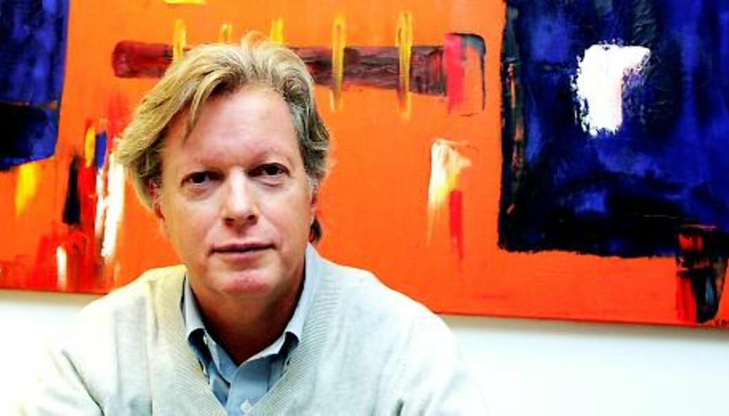 UVISST: Helge Onsum mener det er vanskelig å mene noe om hvor stort fallet i 2009 blir, men det blir verst for de trykte mediene.  Foto: Birgit Dannenberg