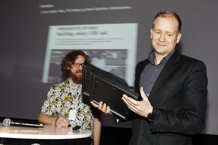 Pål Solberg fra Adressa tok i mot prisen for beste nyhetsjournalistikk. Foto: Andrea Gjestvang