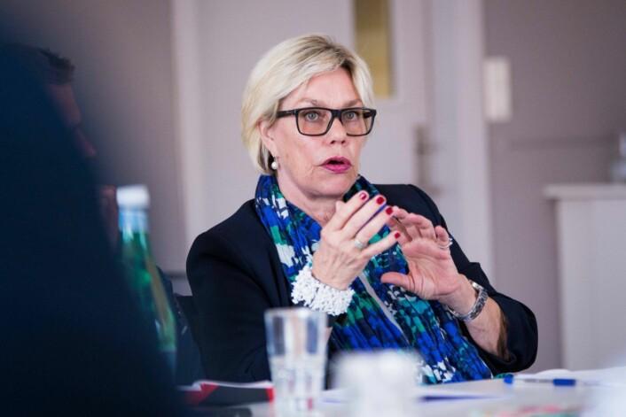 Psykologiprofessor Fanny Duckert har forsket på folk som har blitt «hengt ut» i media, og mener et massivt personfokus er den verste belastningen.Foto:Ola Sæther, UiO