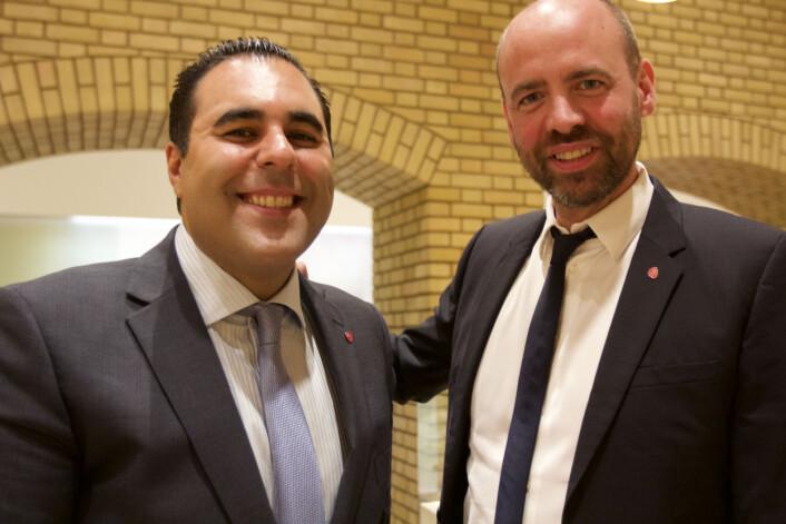 Arbeiderpartiets mediepolitiske talsmannMasud Gharahkhani sammen med forgjengeren Arild Grande. Foto: Glenn Slydal Johansen