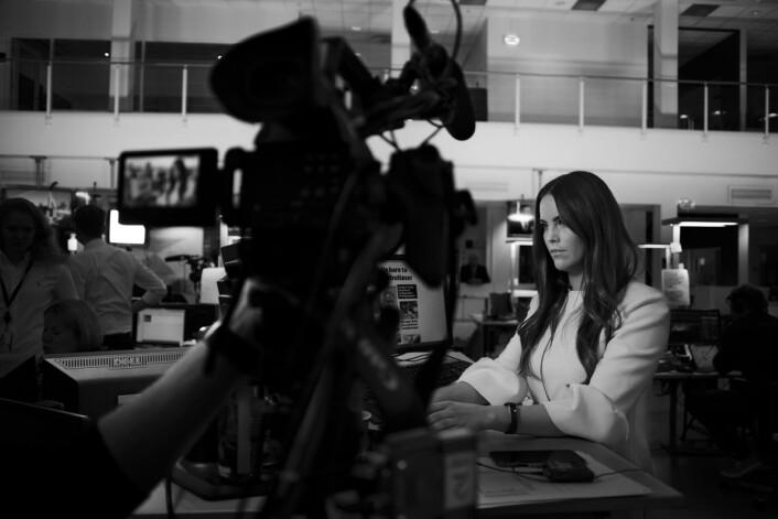 Hos TV 2 er det straks klart for at Cathrine Eide skal live og kommenterer twitter-meldinger med valg-kommentarer.
