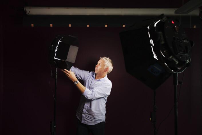 Håvard Bjelland i studio hvor blant annet videointervjuene «Øyenvitne» tas opp. Foto: Andrea Gjestvang