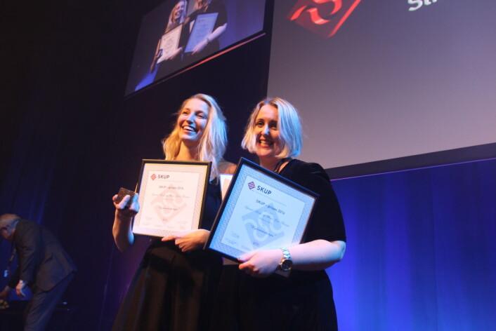 Mona Norman og Synnøve Åsebø da de mottok Skup-prisen i 2017. Foto: Martin Huseby Jensen