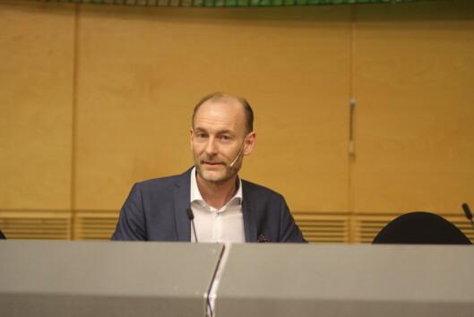 Knut Olav Åmås la tirsdag frem Mediemangfoldsutvalgets<br>utredning. Foto: Angelica Hagen