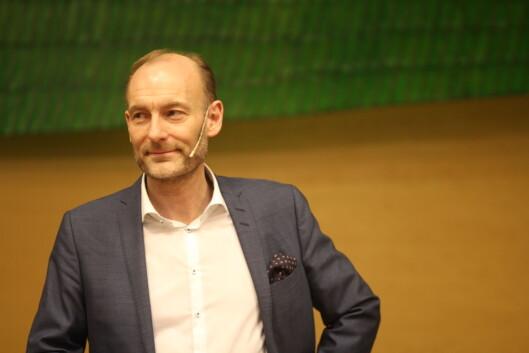 Utvalgsleder Knut Olav Åmås presenterte omfattende<br>og enstemmigeforslag til endringer i pressestøtten.<br>Foto: Angelica Hagen