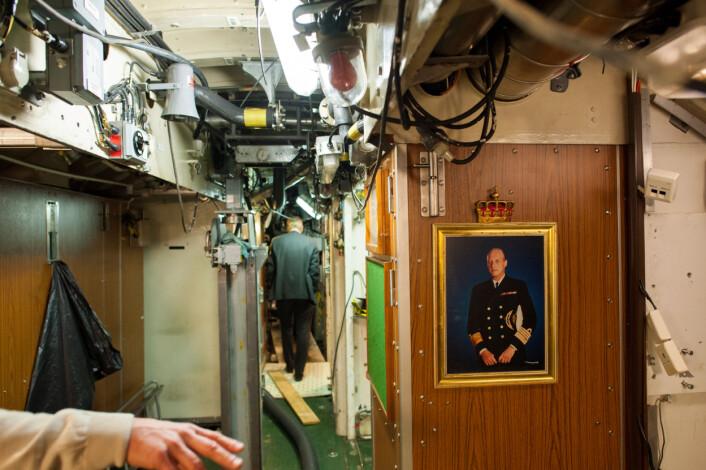 Kong Harald er med på ubåten KNM Utsira. Foto: Christian Nørstebø