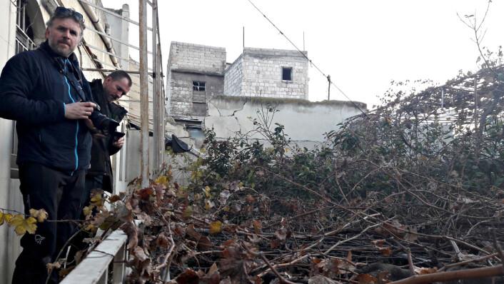 Aleksander Nordahl og Ole Øyvind Sand Holth under reportasjejobb i Aleppo. Foto: Privat.