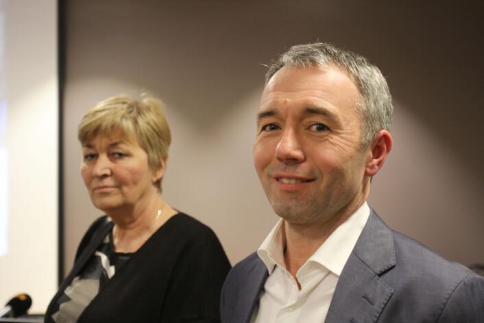 Gerd Kristiansen i LO og André Støylen i Sparebankstiftelsen DNB. foto: Martin Huseby Jensen