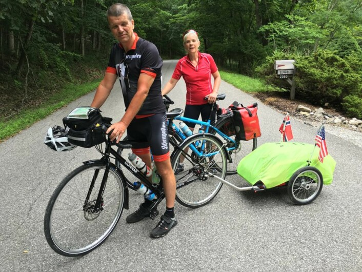 Gunnar og Julia Kagge har tråkket rundt 120 mil sammen, men nå fortsetterGunnar alene vestover på tvers av USA.Foto: Sykkelgunnar