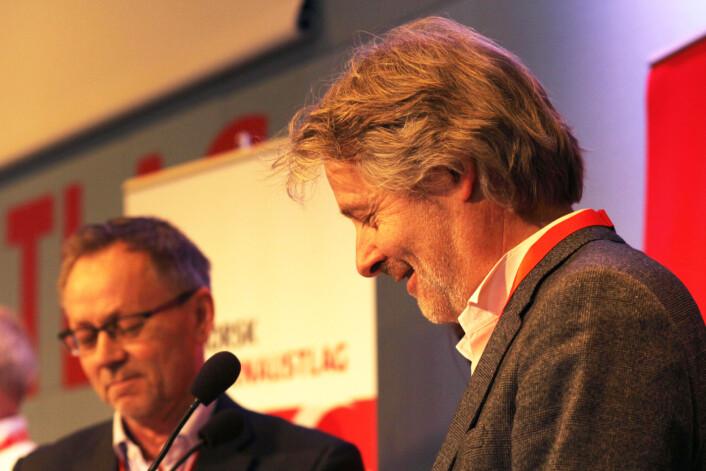 John Arne Markussen og Torry Pedersen mener begge det er uheldig om TV 2 får statsstøtte. Her fra NJs landsmøte i 2015. Foto: Martin Huseby Jensen