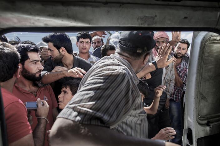Fra grensen mellom Syria og Tyrkia. Foto: Espen Rasmussen/VG.