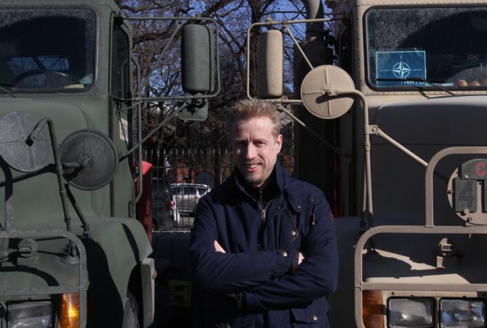 Kristoffer har tenkt å følge Forsvarets bruktsalg med argusblikk. Lastebiler eller skip. Foto: Martin Huseby Jensen