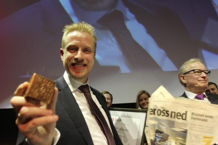Kristoffer med grepet godt om Skup-prisen. Foto: Martin Huseby Jensen