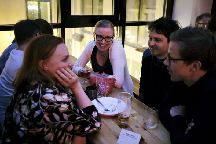 NRK-journalistene Kamilla Marie Johnsen (f.v), Anne Linn Kumano-Ensby, Gustav Iden og Arne Fredrik Næss på meklingsvake på Kulturhuset i Oslo.