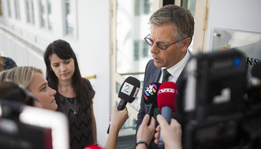 Juridisk direktør Olav Nyhus var NRKs forhandlingsleder hos Riksmekleren. Her med Spekters direktør Anne-Kari Bratten. Foto: Kristine Lindebø