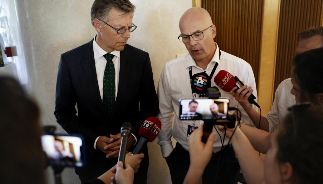 Olav A. Nyhus, som er juridisk direktør i NRK og kringkastingssjef Thor Gjermund Eriksen.