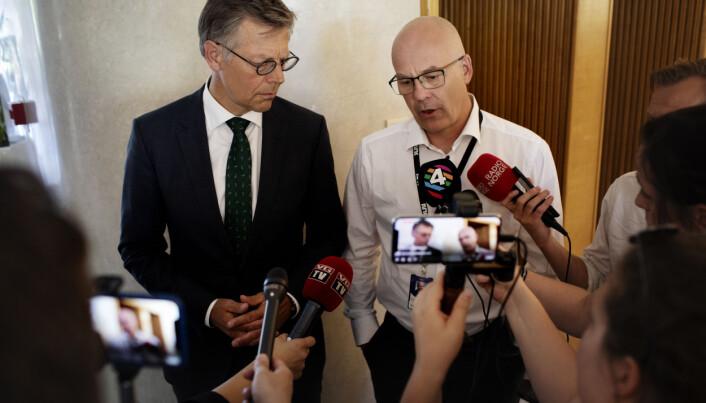 Kringkastningssjef Thor Gjermund Eriksen (t.h), her sammen med juridisk direktør Olav Nyhus. Arkivfoto: Andrea Gjestvang