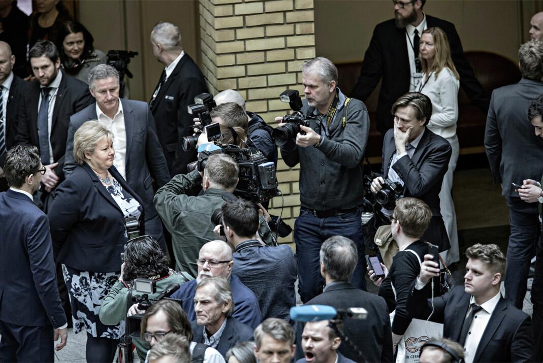 Det hersket delvis kaos på Stortinget i dagene Listhaug-dramaet varte. For fotografene handlet mye om å finne andre vinkler. Foto: Aleksander Nordahl, DN