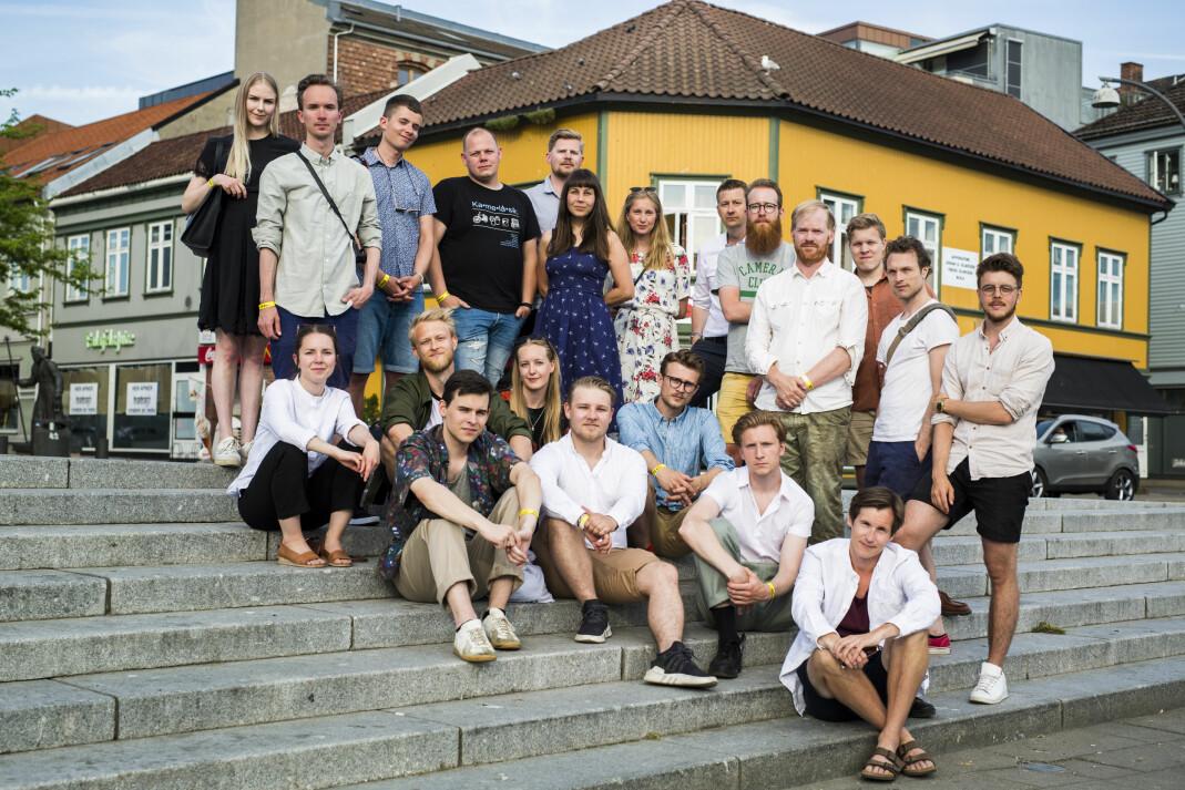 En stor gruppe fotojournalister har gått sammen om hva de skal gjøre for å få oppdragsgiverne til å betale. Her er noen av dem på Dokfestivalen. Foto: Kristine Lindebø