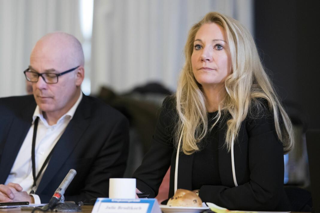 Kringkastingssjef Thor Gjermund Eriksen og rådsleder Julie Brodtkorb (H) under et møte i Kringkastingsrådet tidligere i år.