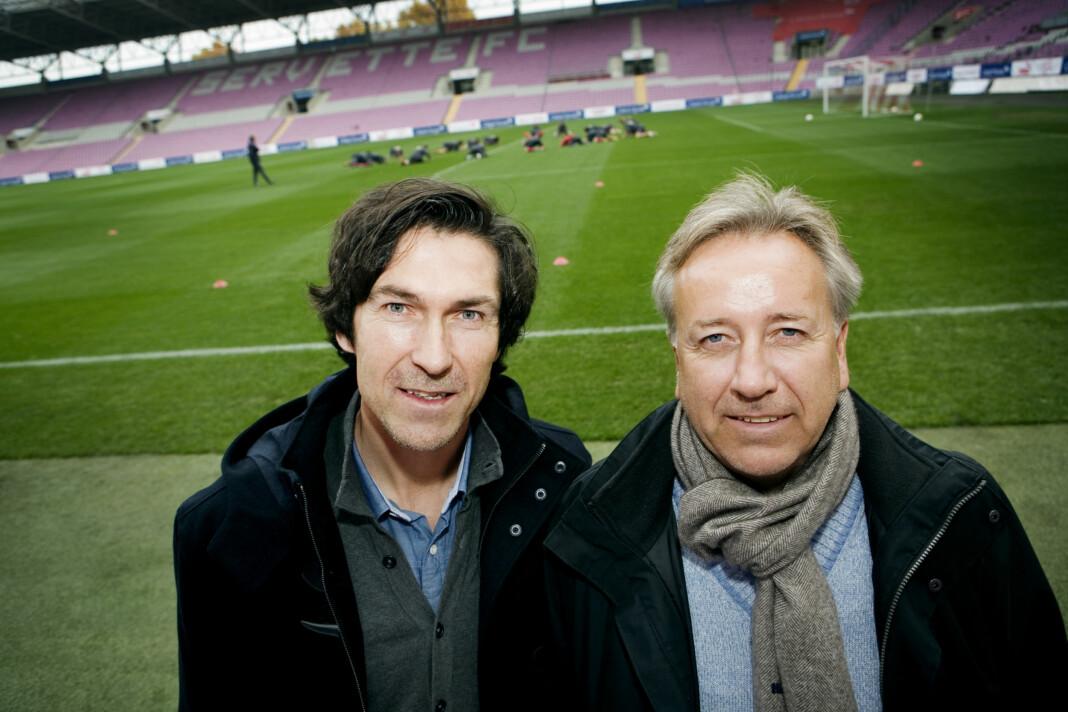 Roar Stokke (t.v.) og Vidar Davidsen har kommentert mange kamper sammen. Foto: Jon-Michael Josefsen / Scanpix