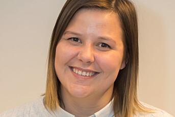 Vilde Øines Pedersen bytter avis i Kirkenes