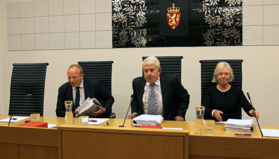 Fagdommerne Tron Sundet (fra venstre), leder Jakob Wahl og Liv Gjølstad erklærte en meddommer fra arbeidsgiversiden inhabil. Foto: Glenn Slydal Johansen